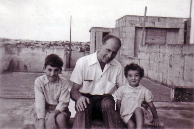 Electrical Artificer Alan Clements with Robert Pope's children, Patrick and Hilary (1950 - 1952)